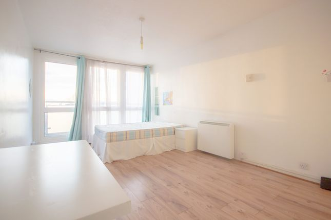 Flat to rent in Brinklow House, Torquay Street
