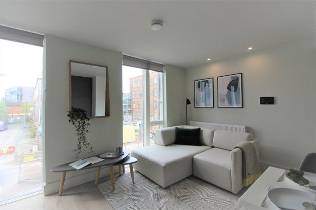 Thumbnail Flat to rent in Roof Gardens, Ellesmere Street, Castlefield