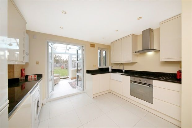 Thumbnail Property to rent in Friern Road, London