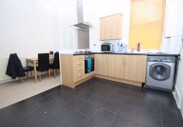 Thumbnail Flat to rent in Manor Park E12, Manor Park, London