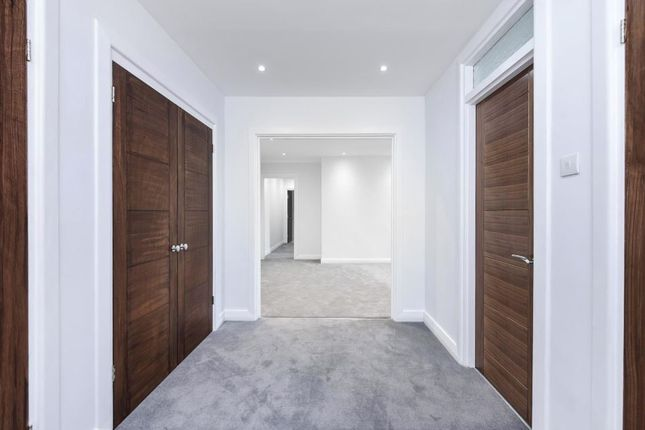 Entrance-Hall-23 of Hampstead High Street, London NW3
