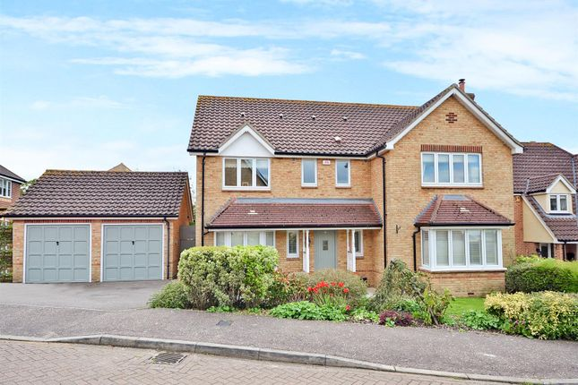 Thumbnail Detached house for sale in Roman Close, Mountnessing, Brentwood