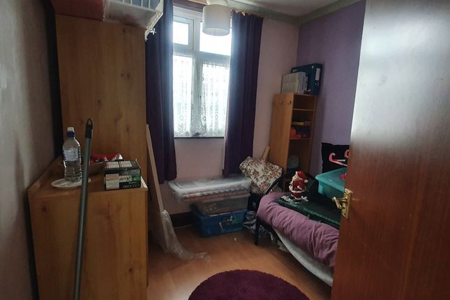 Single Bedroom of Bancroft Road, Luton LU3