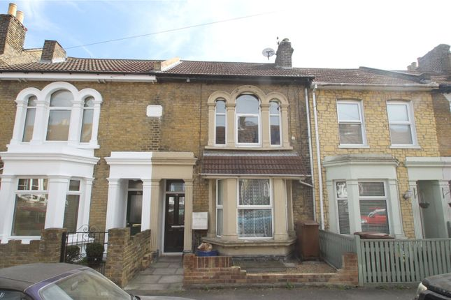 Picture No. 01 of Weston Road, Strood, Kent ME2