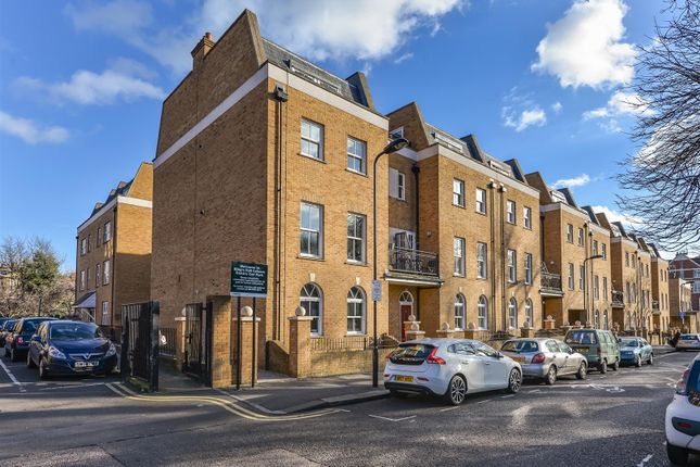 2 bed flat for sale in Clapton Square, London