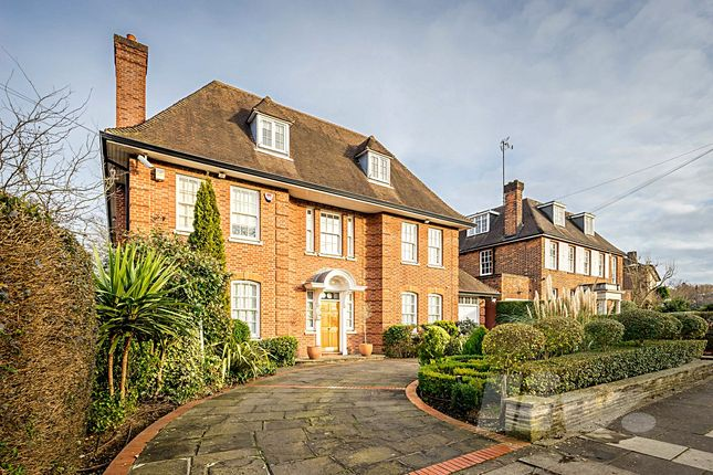 Thumbnail Terraced house to rent in Holne Chase, Hampstead Garden Suburb