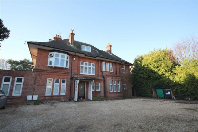 2 bed flat to rent in Portchester Road, Bournemouth