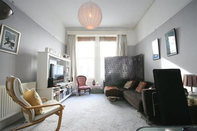 Flat to rent in Castletown Road, London