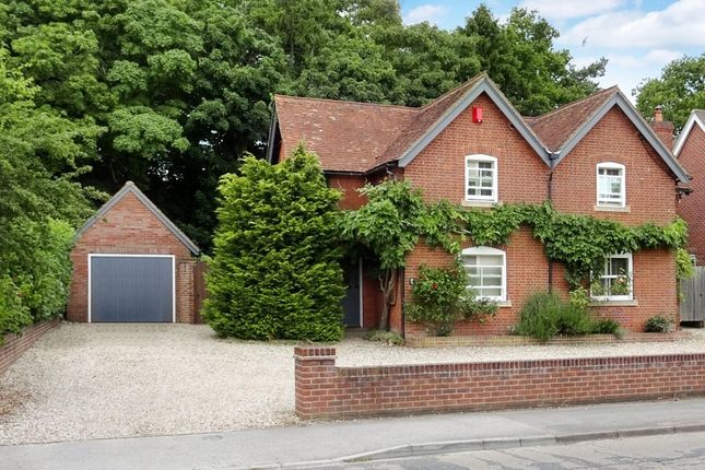 Thumbnail Cottage for sale in Monks Lane, Newbury
