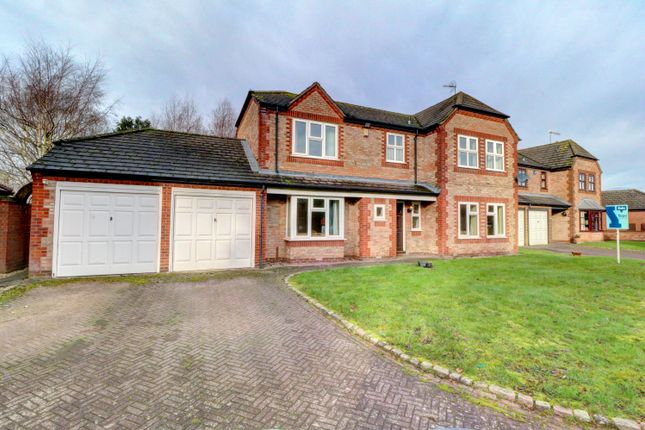 Thumbnail Detached house for sale in Evertons Close, Droitwich