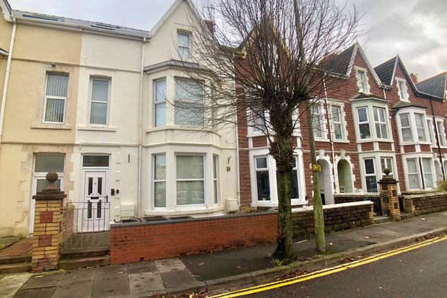 Thumbnail Maisonette to rent in Victoria Avenue, Porthcawl