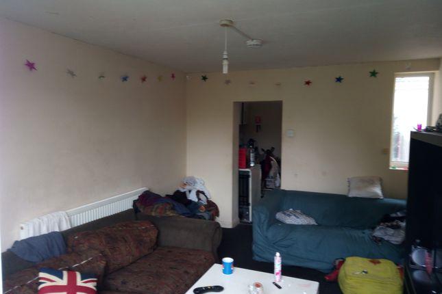 Thumbnail Semi-detached house to rent in Coleridge Road, Cambridge