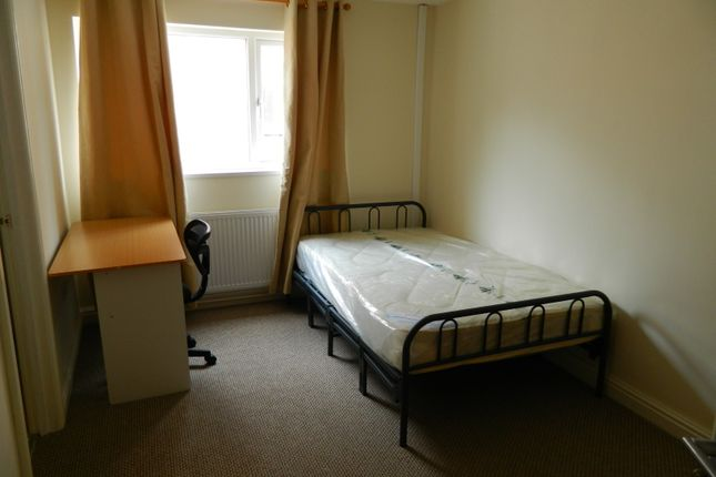 Room to rent in Albany Road, Coventry