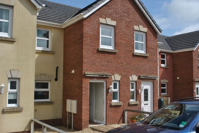 3 bed terraced house to rent in Maes Abaty, Whitland SA34