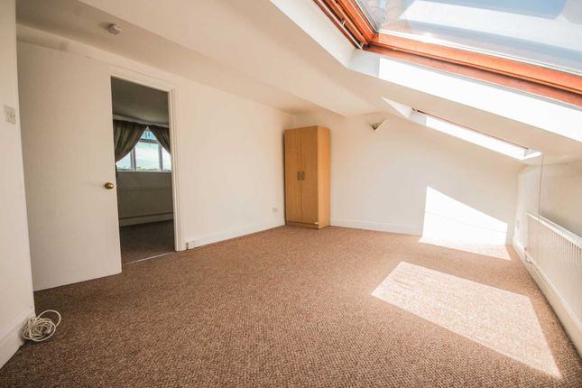 Thumbnail Flat to rent in Poppleton Road, London