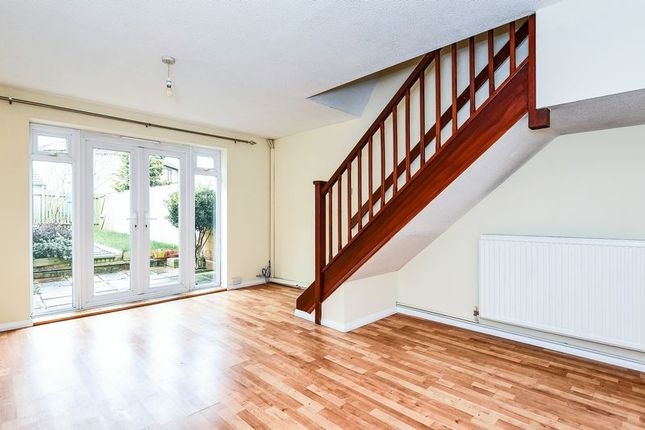2 bed terraced house to rent in Holly Close, Bicester