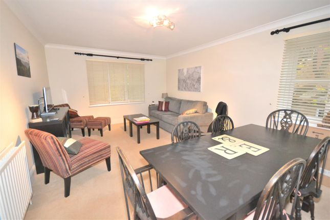 2 bed flat to rent in Edge Hill, London