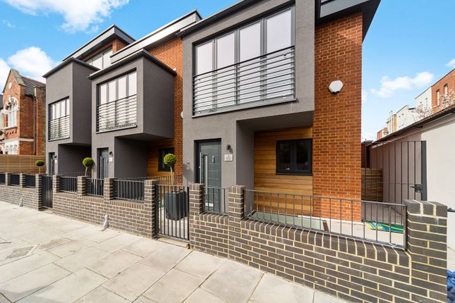 Thumbnail Detached house for sale in Willcott Road, Acton
