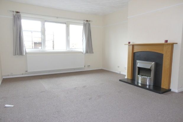 Thumbnail Flat to rent in Broom Square, Southsea