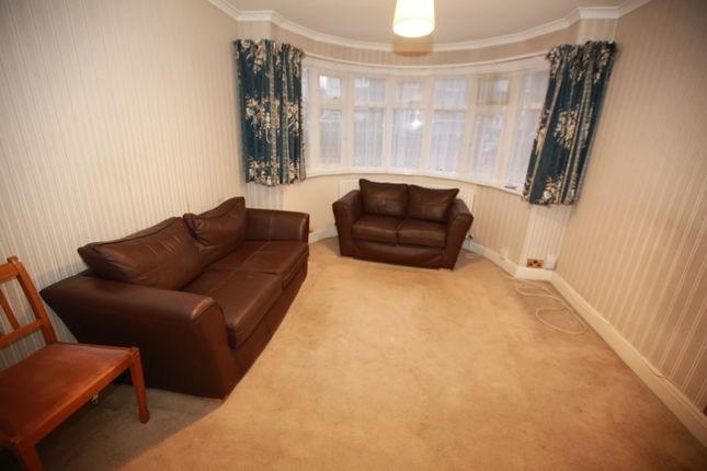 3 bed end terrace house to rent in Clithroe Avenue, Raynerslane / Harrow