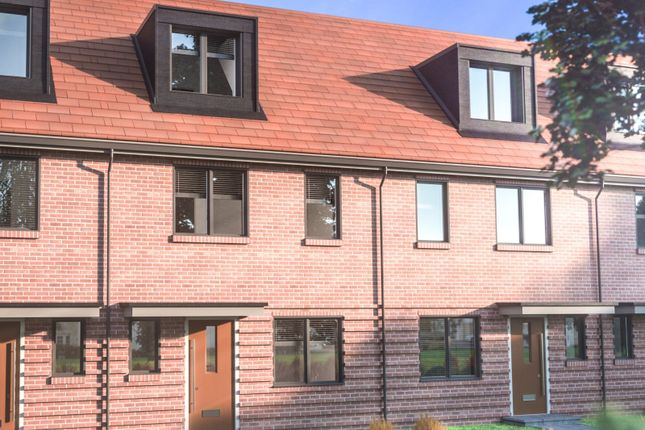 Thumbnail Terraced house for sale in Imperial Way, Reading
