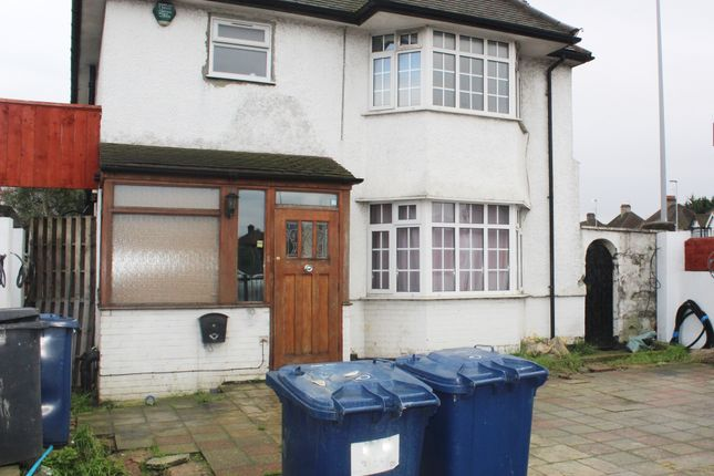 Thumbnail Detached house to rent in The Vale, Golders Green