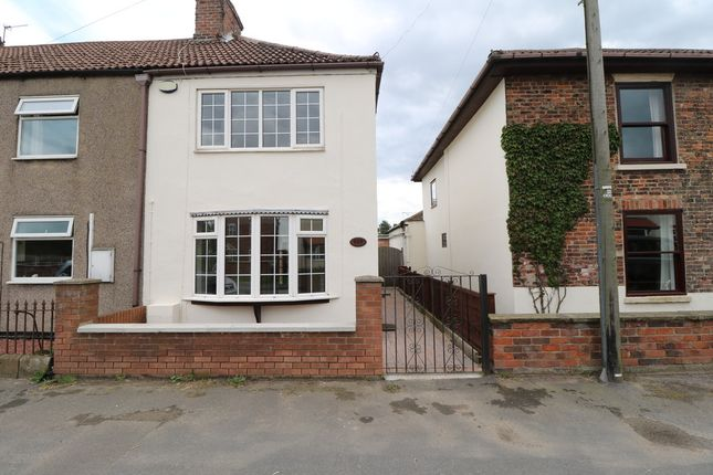 Thumbnail Cottage for sale in Westgate Road, Belton, Doncaster