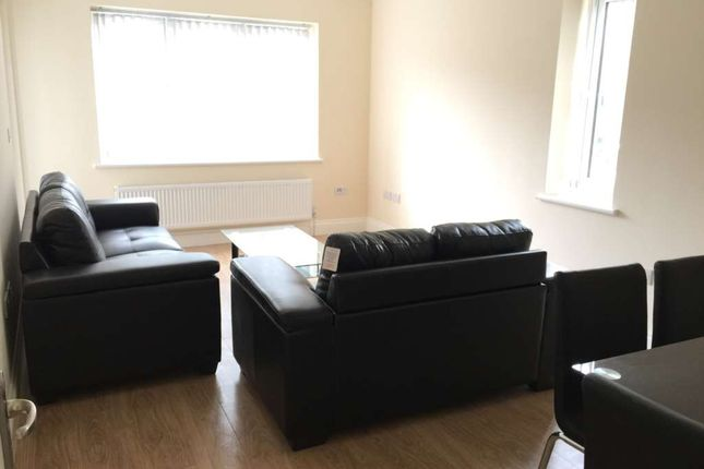 Thumbnail Flat to rent in Bennetts Yard, High Street, Uxbridge
