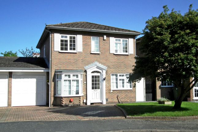Thumbnail Detached house to rent in Rembrandt Way, Walton On Thames, Surrey