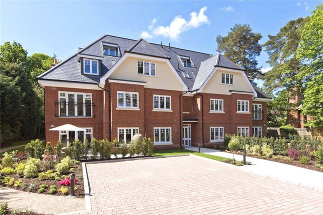 Thumbnail Flat for sale in Weybridge, Surrey