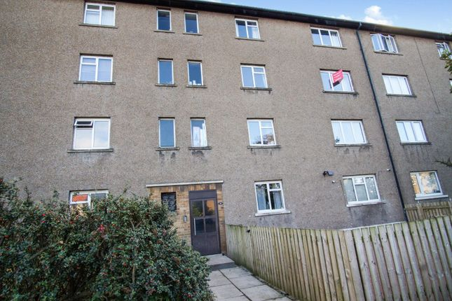 Front of Ballindean Road, Dundee DD4