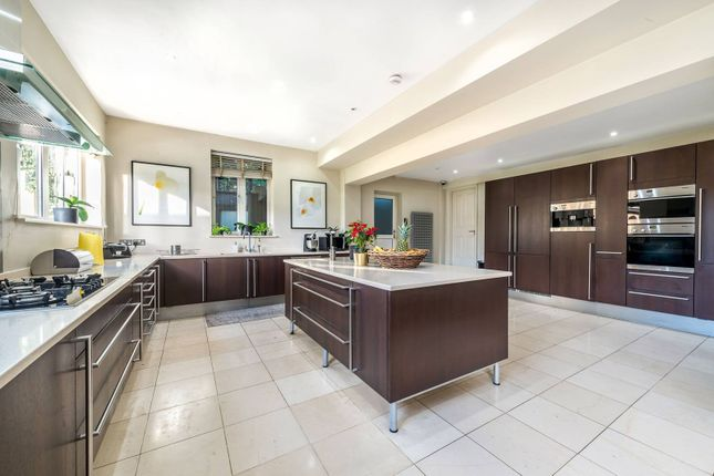 Thumbnail Property to rent in Parkside Gardens, Wimbledon Village