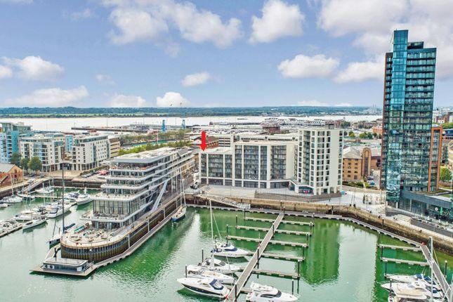 Thumbnail Flat for sale in Maritime Walk, Southampton