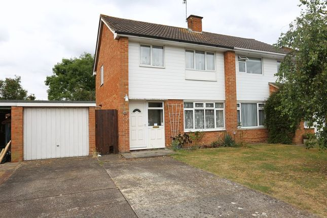 Thumbnail Semi-detached house to rent in Fitzroy Crescent, Woodley, Reading