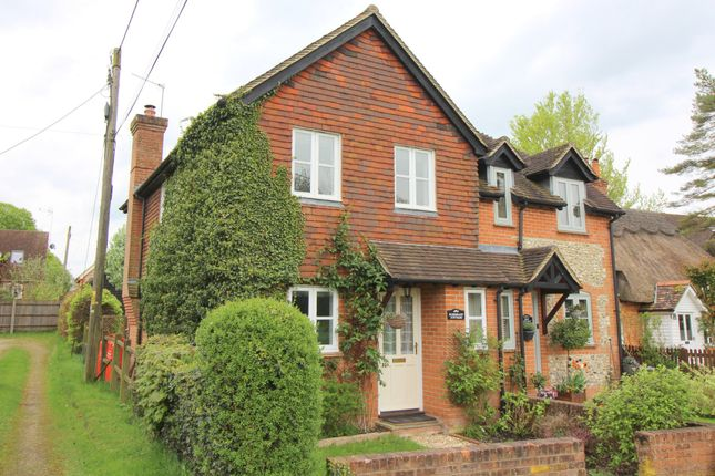 Thumbnail Cottage to rent in Alresford Road, Preston Candover, Basingstoke