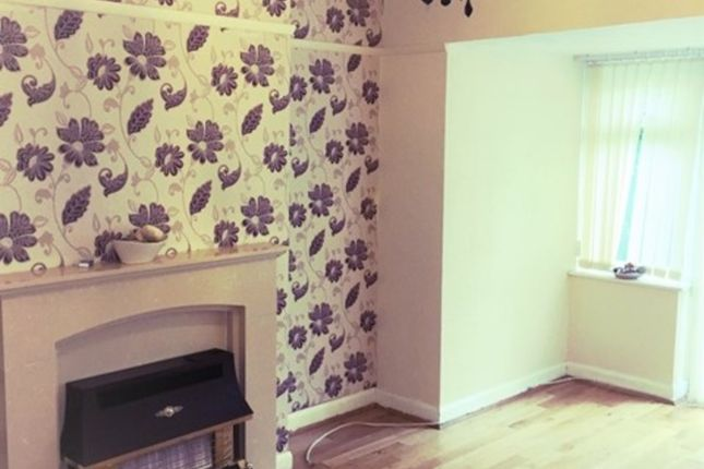 Thumbnail Semi-detached house to rent in Lindley Avenue, Tipton