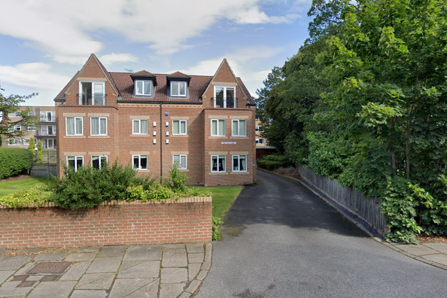2 bed flat to rent in Park Way Lodge, 424 Street Lane, Leeds, West Yorkshire LS17