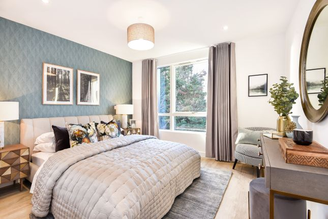 Thumbnail Flat for sale in Exeter Place, London