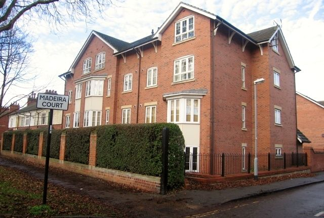 Thumbnail Flat to rent in Madeira Court, Park Avenue, Hull