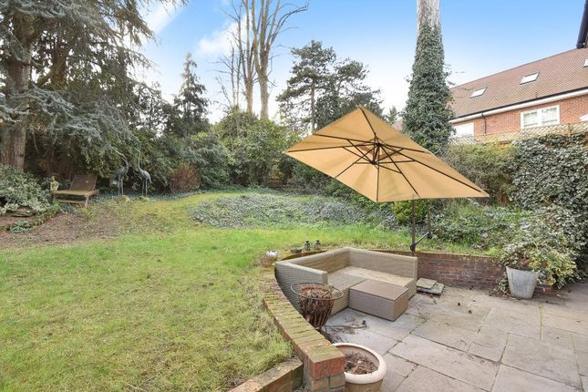 Garden View of Cedars Close, Hendon NW4,