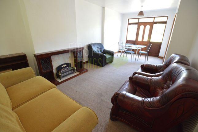 Lounge of Gainsborough Road, Clarendon Park LE2