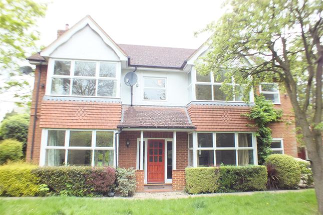 Thumbnail Property to rent in Hersham Road, Walton-On-Thames