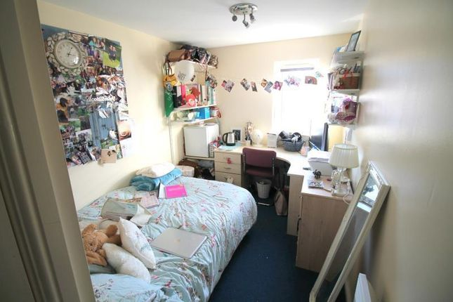 Thumbnail Shared accommodation to rent in Gwennyth Street, Roath, Cardiff