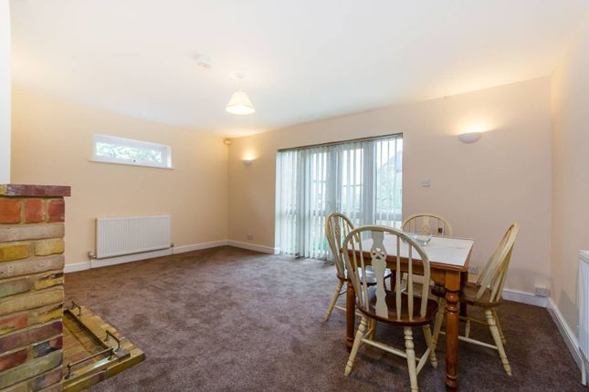 Thumbnail Bungalow for sale in Wood Vale, East Dulwich, London