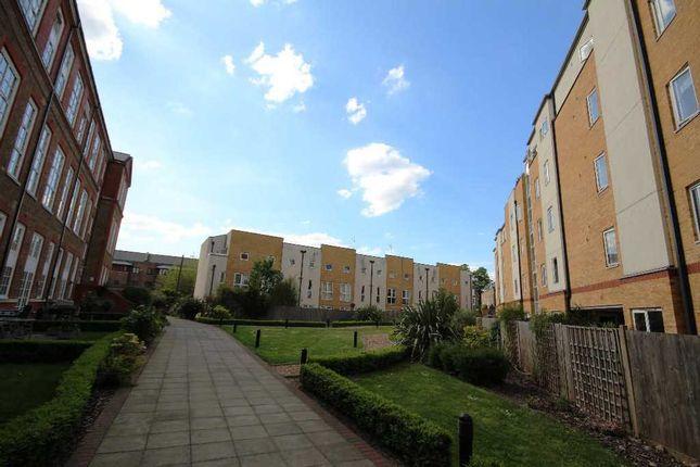 Flat for sale in Enfield Road, London