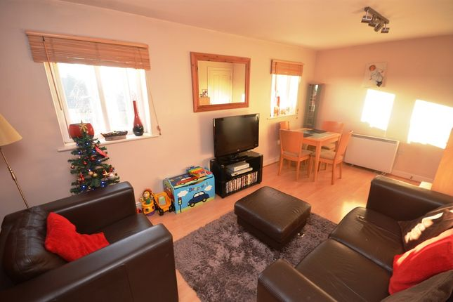Thumbnail Flat for sale in Holden Close, Braintree