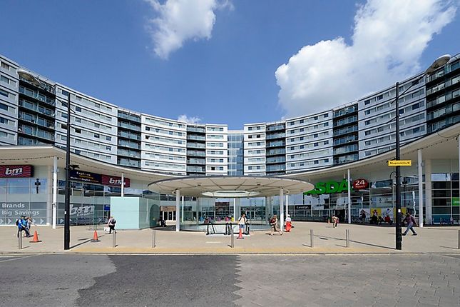 Thumbnail Flat for sale in Prince Regent Road, Hounslow, London