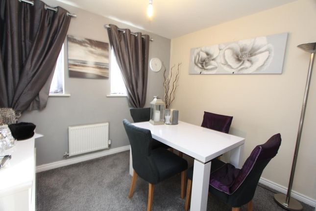 Dining Area of Kirkistown Close, Rugby CV21