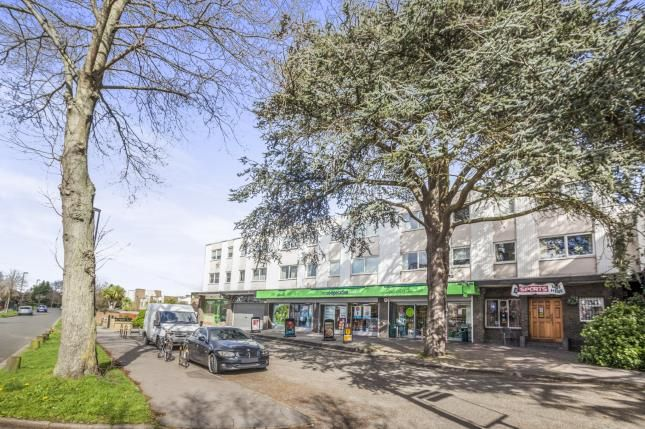 2 bed flat for sale in Orchard Way, Croydon