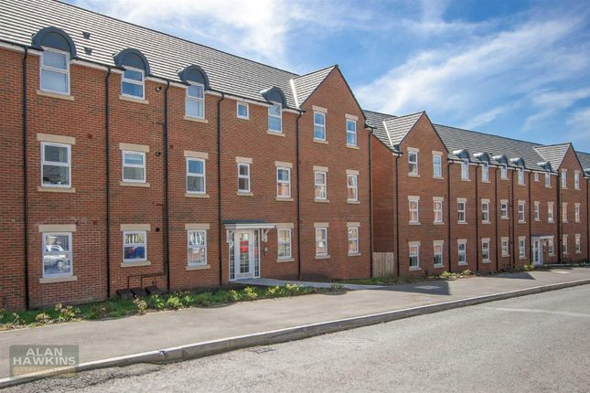 Thumbnail Flat for sale in Cloatley Crescent, Royal Wootton Bassett, Swindon
